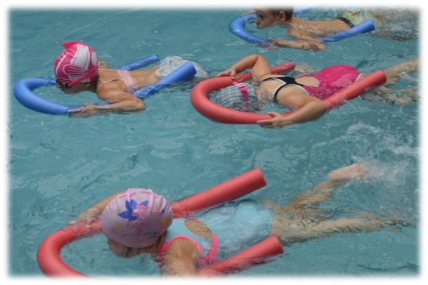 Ilustracja do informacji: Nauka pływania