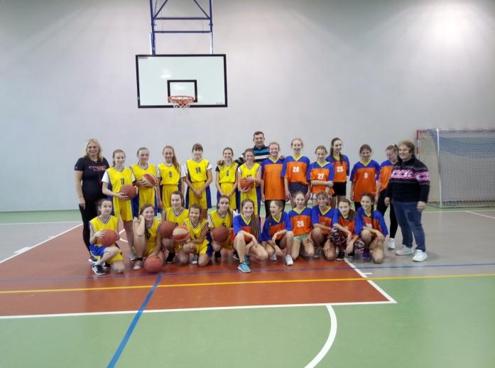 Ilustracja do informacji: Mistrzostwa Żar w mini piłce koszykowej dziewcząt