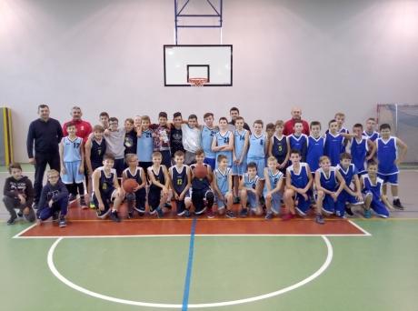 Ilustracja do informacji: Mistrzostwa Żar w piłce koszykowej chłopców